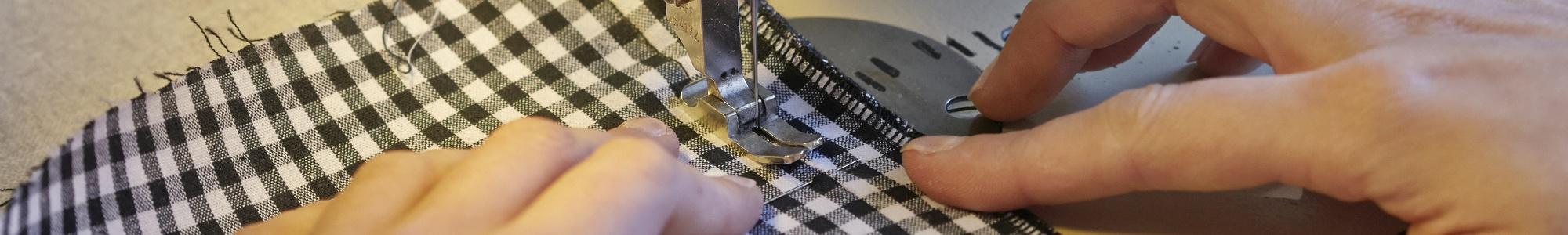 Wie ein maßgeschneidertes Kleid ensteht.-